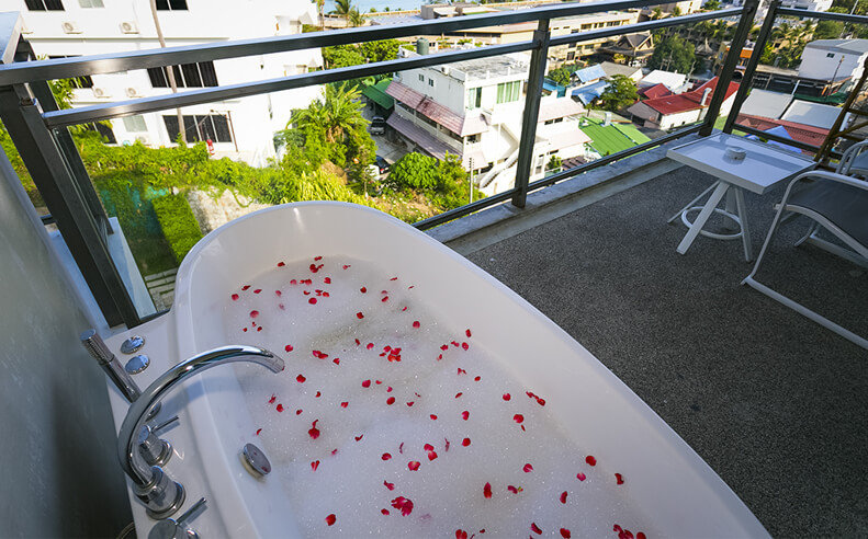Grand Jacuzzi Deluxe | Sugar Palm Grand Hillside